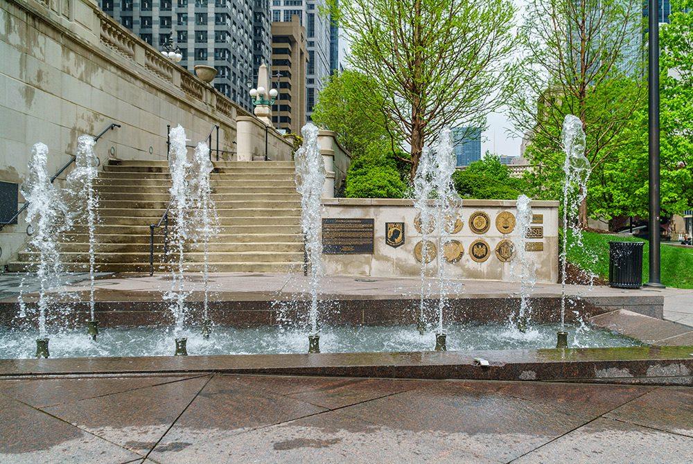 vietnam veterans fountain in chicago shot at a fast shutter speed